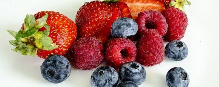 berries-1225101_640